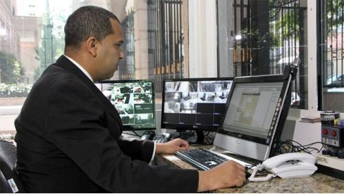 Agente de Portaria Completo: Agp de Condomínios; Escolas; Clubes; Clínicas e Hospitais; Fábricas; Hóteis; CFTV e Fiscal de Loja.